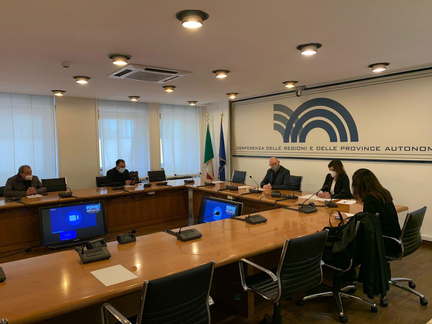 Confronto positivo Conferenza Regioni con Cgil, Cisl e Uil su rinnovo contratti lavoratori Sanita e Funzioni Locali