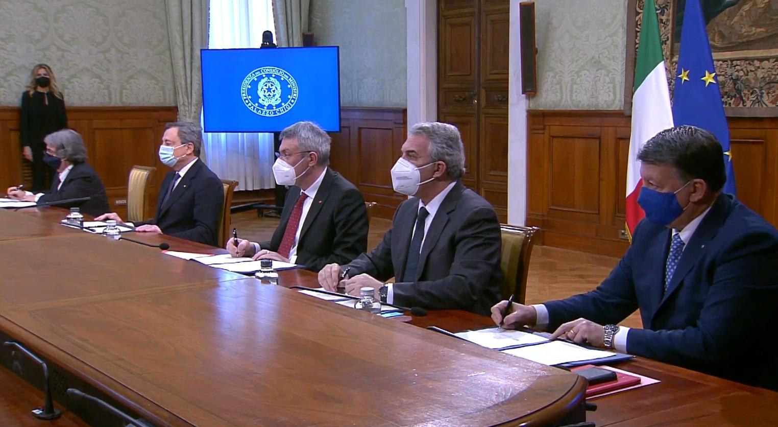 P.A. Firmato il Patto per l'Innovazione del lavoro pubblico e la coesione sociale.Uil: primo importante passo per far ripartire il Paese
